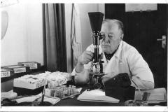 28. Prof. Dr. Sáska László - Isaszeg egykori orvosa, Afrika-kutató